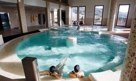 Jaca: 1 o 2 noches para 2 personas con desayuno, acceso a spa y copa de cava en Hotel Golf & Spa Real Badaguás-Jaca 4*