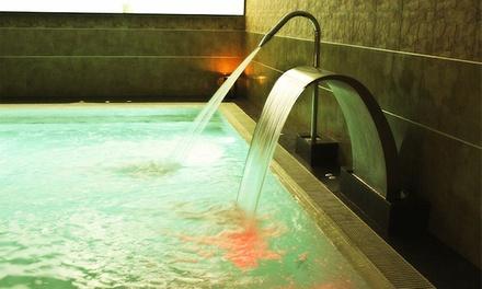 Circuito termal de 1 h para 2 con opción a masaje , bombones y cava desde 26,95 € en H₂O Spa Balneario Fitness
