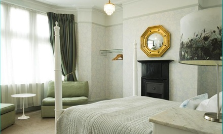 Bath: 4* Stay with Breakfast with Prosecco