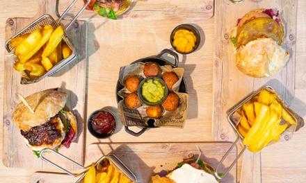 Menú para 2 o 4 con entrante, hamburguesa con patatas, postre y bebida en Vg Burger Bar (hasta 51% de descuento)