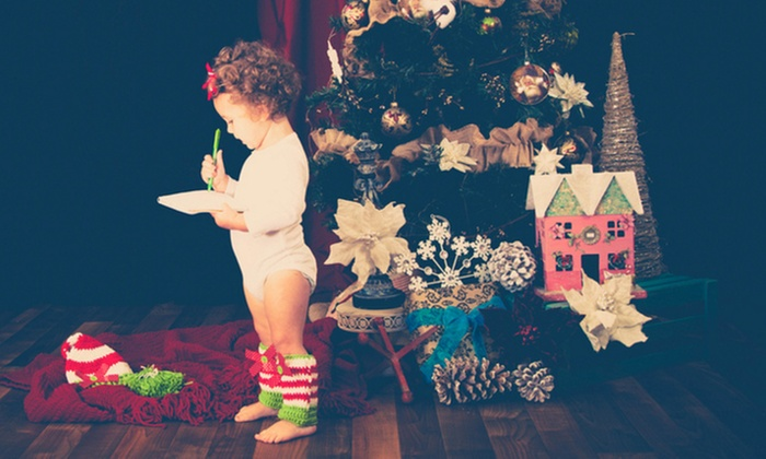 Lou Lou's Photography - Dacula-Rocky Creek: $69 for a Holiday Photo Package at Lou Lou's Photography ($175 Value)