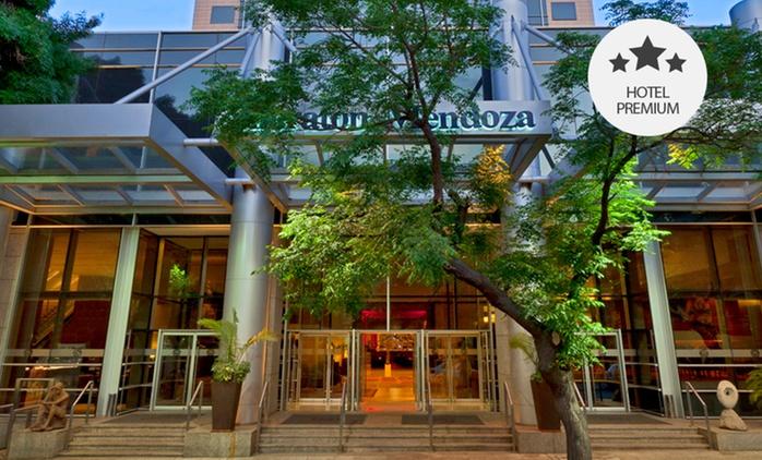 Mendoza: desde $1499 por 1, 2, 3 o 5 noches para dos + desayuno Buffet + late check out en Sheraton Mendoza Hotel