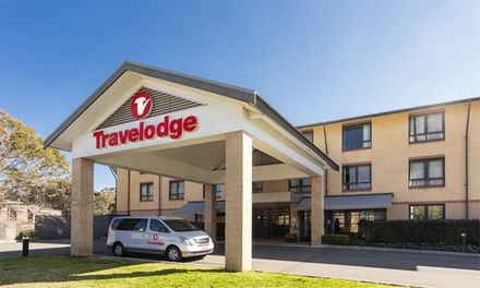 Sydney, North Ryde: Stay for Two with Breakfast, Parking and Late CheckOut at Travelodge Macquarie North Ryde
