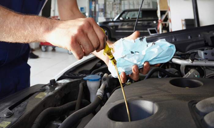 Gemma Zaloom Automotive - Westerleigh: $25 for Standard Oil Change, Tire Rotation, and 30-Point Inspection at Gemma Zaloom Automotive on Staten Island ($75 Value)