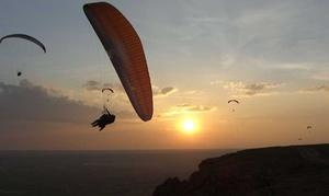 Flyser Aventura: Vuelo biplaza en parapente para 1 o 2 con opción a vídeo, fotos y diploma desde 49,95 € en Flyser Aventura, 3 opciones