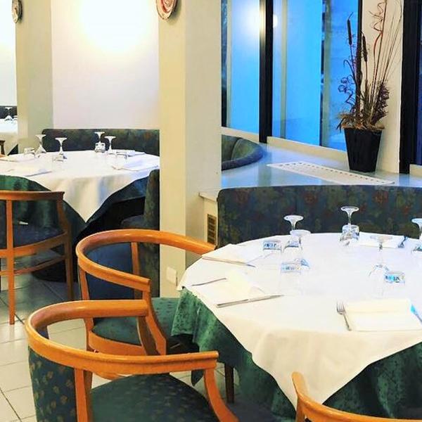 Menu di mare da 3 o 4 portate con calice di vino per 2 o 4 persone al ristorante La Stanza Del Gusto (sconto fino a 65%)