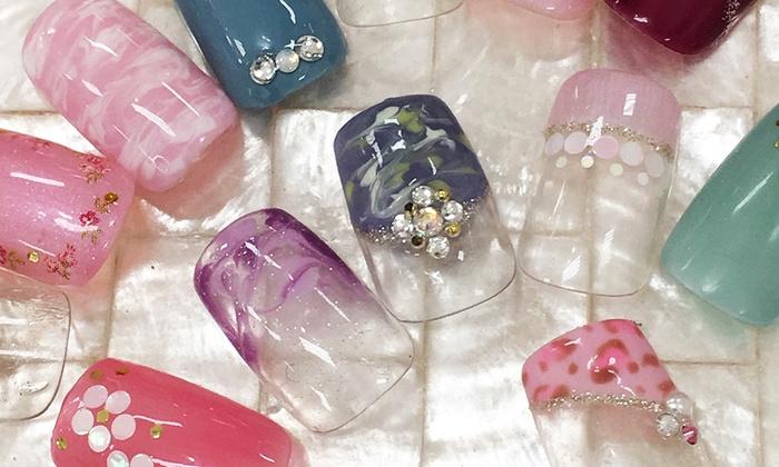 nail cube - 豊中市: 【400円】「nail cube」全国9店舗で使える。お会計時に2,500円でネイルサービスが利用できる引換券≪ネイルサービスが利用できる引換券/別途2,500円が必要≫リピーターOK @nail cube