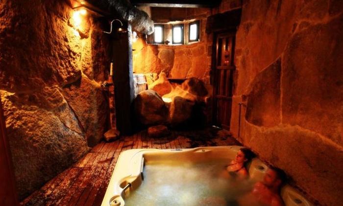 Orgullo Rural - Orgullo Rural: Salamanca: 1 o 2 noches para dos en habitación doble con 1 sesión de spa privado en cueva termal en Orgullo Rural 4*