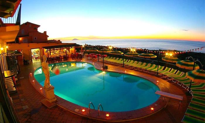 Hotel Orizzonte Blu - Tropea: Tropea: 7 notti per 1 persone in camera economy con mezza pensione all'Hotel Orizzonte Blu