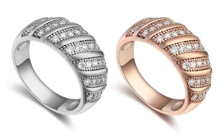 1 of 2 ringen Carina versierd met Swarovskikristallen, verkrijgbaar in verschillende kleuren en maten
