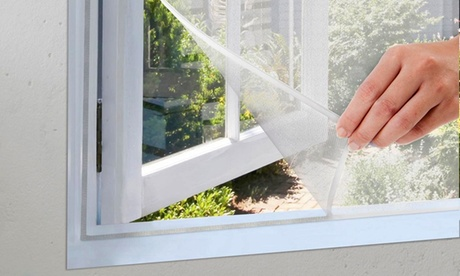 Hasta 4 cortinas mosquiteras con cinta auto-adhesiva
