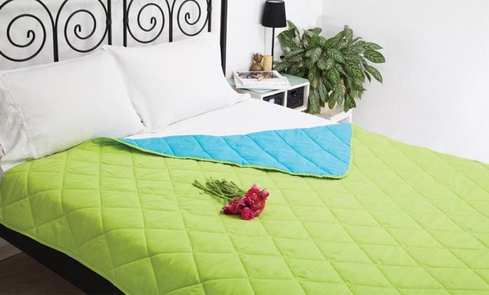 שמיכת קיץ נעימה ומפנקת ליחיד או לזוג, המתאימה גם כשמיכת מעבר או ככיסוי מיטה