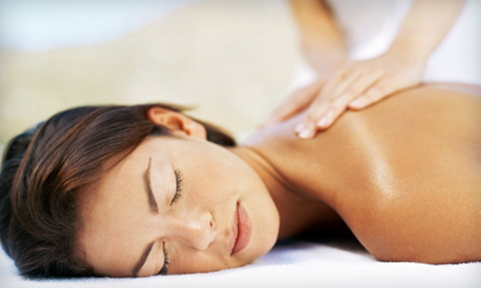 Integrated Wellness Center & Day Spa - East Rockaway: $29 for a Chiropractic Evaluation and 50-Minute Massage at Integrated Wellness Center & Day Spa in East Rockaway ($290 Value)