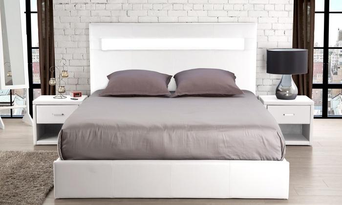 t te de lit en simili cuir avec led groupon shopping. Black Bedroom Furniture Sets. Home Design Ideas