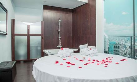 Granada: 2, 4 horas o 1 noche para 2 en habitación de lujo con cava y opción a suite y desayuno en Hotel 9 Secrets