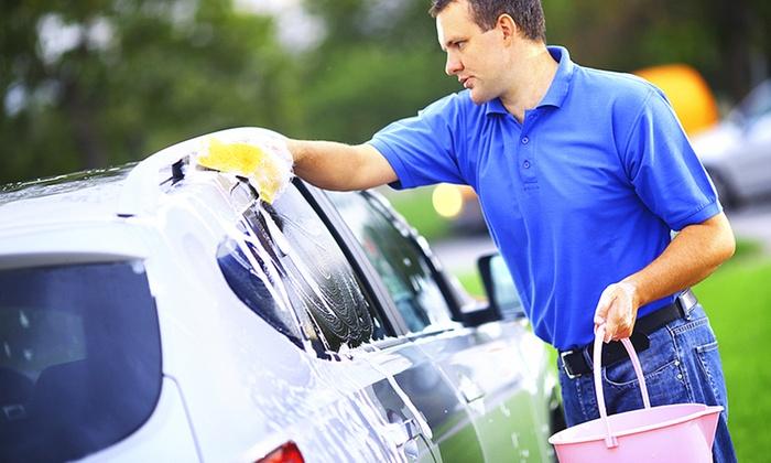 Wash Service Berlin - Berlin: Autowäsche außen sowie Polster- und Lederpflege und Himmelreinigung bei Wash Service Berlin (bis zu 70% sparen*)
