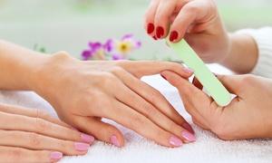 C.T.F.R.: Colata di smalto gel o semipermanente oppure ricostruzione unghie con allungamento (sconto fino a 76%)