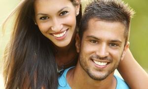Zasdental: Limpieza bucal con ultrasonidos y revisión por 9,95 € y con 1 o 2 blanqueamientos dentales led desde 59,90 €