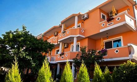 Czarnogóra: 3-8 dni dla 2 lub 4 osób ze śniadaniami lub wyżywieniem w Holiday Apartments & Rooms
