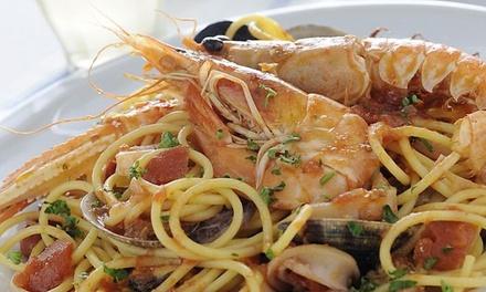1 kg di pasta allo scoglio, antipasto, dolce e vino al Ristorante Pizzeria Gaia di Montebelluna (sconto fino a 53%)