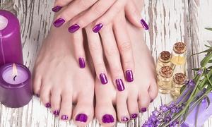 SB Peluquería y Estética: 2 sesiones de manicura y/o pedicura con esmaltado tradicional desde 12,90 € en SB Peluquería y Estética