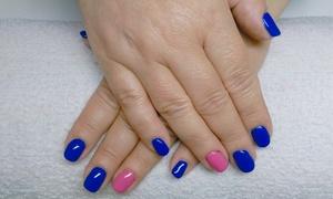 Salon Urody Bożena Jakubiak: Manicure hybrydowy lub japoński od 36,99 zł w Salonie Urody Bożeny Jakubiak (do -53%)