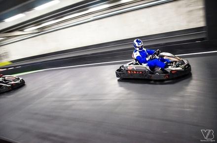 Karting intérieur à Gand! 2 courses pour 1 personne avec boisson