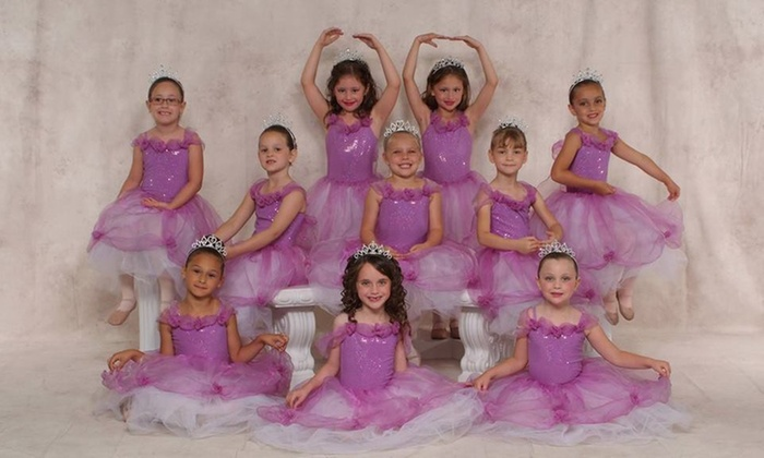 Parkway Dance Centre - Middleburg Heights: Four Dance Classes from Parkway Dance Centre (66% Off)