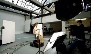 Marco Sacchi Fotografo: Shooting fotografico più make up in studio professionale o in esterna fino a 3 persone (sconto fino a 78%)
