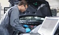 Kleine oder große Inspektion nach Herstellerangaben für alle Pkw-Modelle bei TSK Motorsport (bis zu 67% sparen*)
