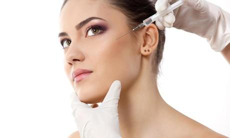 Infiltración facial de ácido hialurónico o toxina botulínica en Clínica Rivera (hasta 69% de descuento)