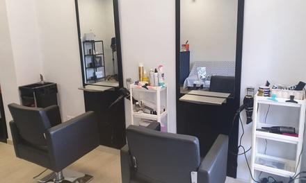 Sesión de peluquería con corte y opción a tinte y/o mechas en Ocon Peluquería (hasta 68% de descuento)