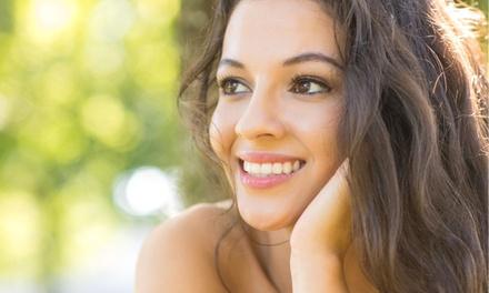 1 o 3 sesiones de higiene facial con máscara Gold Collagen Hydrogel desde 19,90 € en Centro Médico Sensaciones