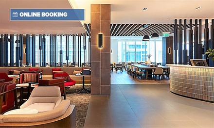 Melbourne: Queen Room for Two in a Mystery Hotel with Breakfast, Drink Vouchers, Wi-Fi and Late Check-Out
