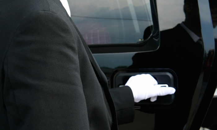 Class A Sedan - San Francisco: Five-Hour Limo Wine Tour for Up to Four or Six from Class A Sedan (50% Off)