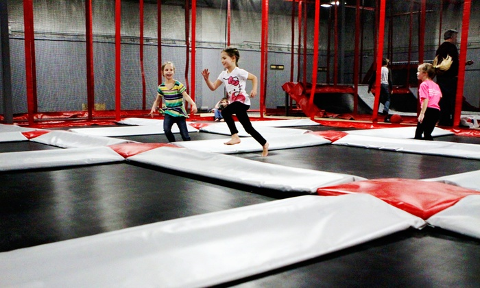 Rogue Air Park - Medford: Trampoline Park Passes or Weekday Birthday Party for up to 10 at Rogue Air Park (50% Off). Four Options.