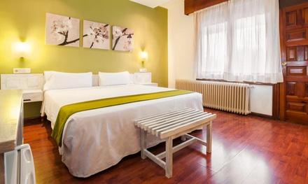 Madrid: 1 a 3 noches para dos personas con desayuno, detalle de bienvenida y late check-out en el Hotel Los Olivos