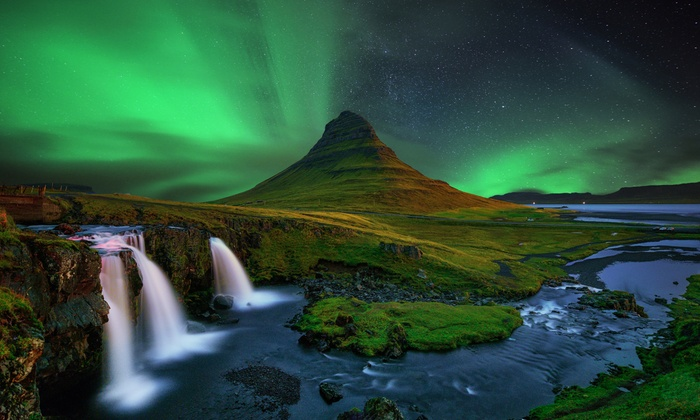 Bargain Late Holidays - Reykjavík: ✈ Reykjavik: 2 to 4 Nights with Northern Lights Tour, Return Flights and Option for Other Tours at Choice of Hotels*