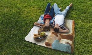 Photo Gifts: Una o 2 coperte da picnic personalizzabili disponibili in 2 misure con Photo Gifts (sconto fino a 86%)