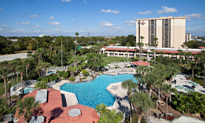 Orlando Resort with Shuttle to Theme Parks