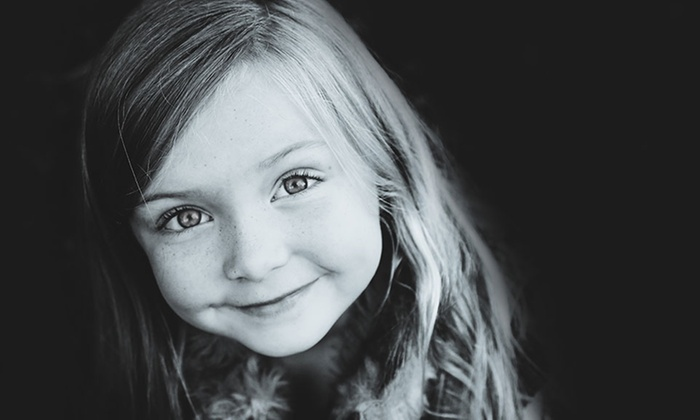 Gloss Photography Studios (Milwaukee) - Gloss Photography Studios (Milwaukee): $59 for a 20-Minute Black-and-White Photo Shoot for Up to Five at Gloss Photography Studios ($336 Value)