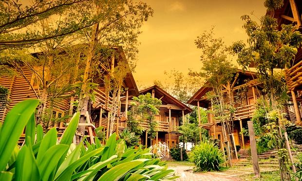 Malacca: 4* Philea Resort + Coach 2