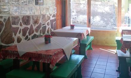 Menú guachinche para 2 o 4 personas con entrante, principal, postre y bebida desde 16,95 € en Guachinche Antonio