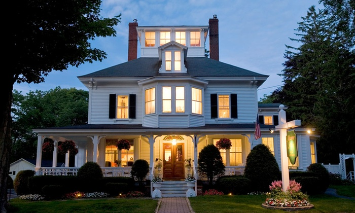 Maine Stay Inn and Cottages - Kennebunkport, ME: 1- or 2-Night Stay with Cheese-and-Dessert Platter and Beverages at Maine Stay Inn and Cottages in Kennebunkport, ME