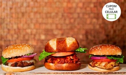 Rodízio de mini hambúrgueres + batata frita à vontade para até 6 pessoas na Bulls Sanduicheria Bar   Batel