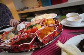 Turquoise: Tapas méditerranéennes avec plat principal et dessert