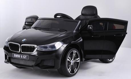 Cette voiture électrique BMW est conçue pour apporter des heures d'amusement aux enfants
