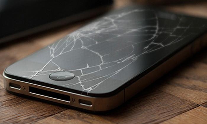 Big B World - Ridgefield: iPhone, iPad, or iPod Screen Repair from Big B World (Up to 61% Off)