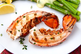 Golden Pizza & Seafood: $15 Off $27 Worth of Seafood