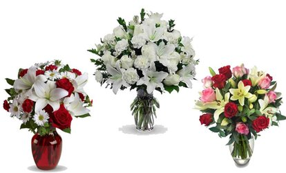image for Up to £50 Toward Christmas-Themed Flowers and Gifts at Flowers Delivery 4 U (50% Off)